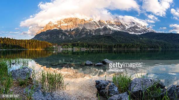 Germany, Bavaria, Grainau, Wetterstein mountains, Eibsee lake with Zugspitze