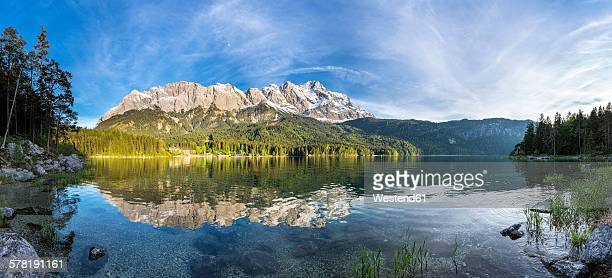 Germany, Bavaria, Grainau, Wetterstein mountains, Eibsee lake with Zugspitze