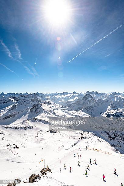 Germany, Bavaria, Nebelhorn, skiers on slope