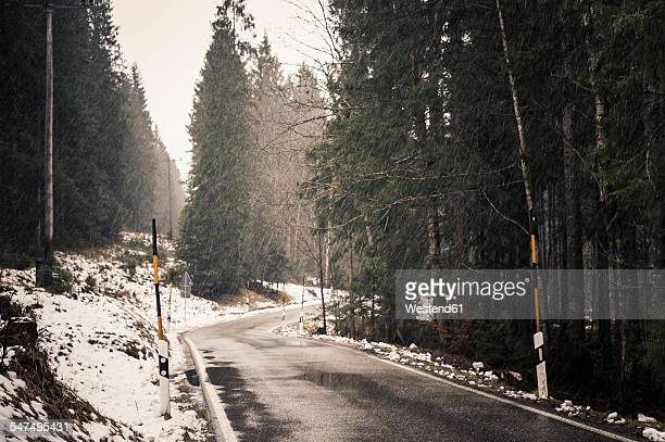 Germany, Bavaria, Ramsau, country road in winter