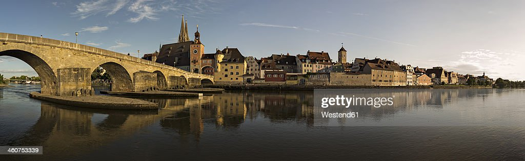 Germany, Bavaria, Regensberg, View of old town and old stone bridge crossing Danube River