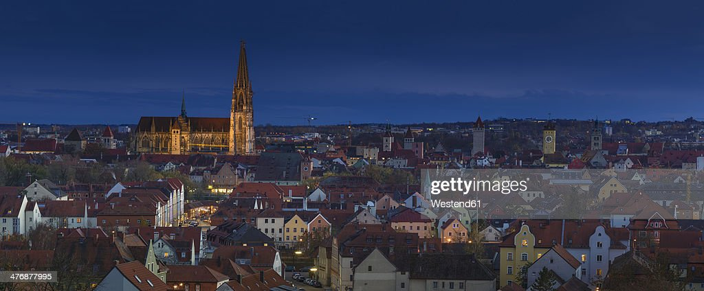 Germany, Bavaria, Regensburg, View of Regensburg Cathedral at night