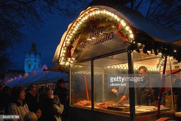 Germany Berlin Charlottenburg Christmas market in front of Charlottenburg Palace