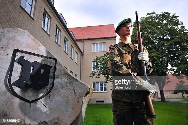 Germany Berlin first woman in the guard exercising in the JuliusLeberbarracks