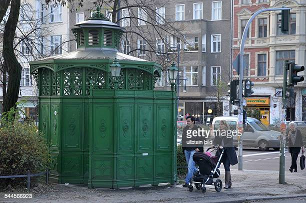 Cafe octagon stock photos and pictures getty images for Kuche co berlin prenzlauer berg