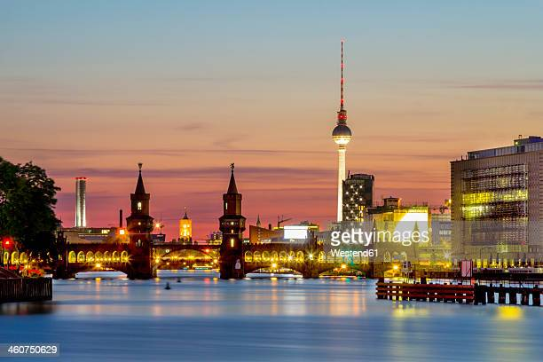 Germany, Berlin, View of Oberbaum bridge at Spree river