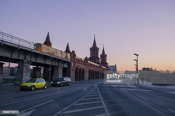 Germany, Berlin, view to Oberbaum Bridge at evening twilight