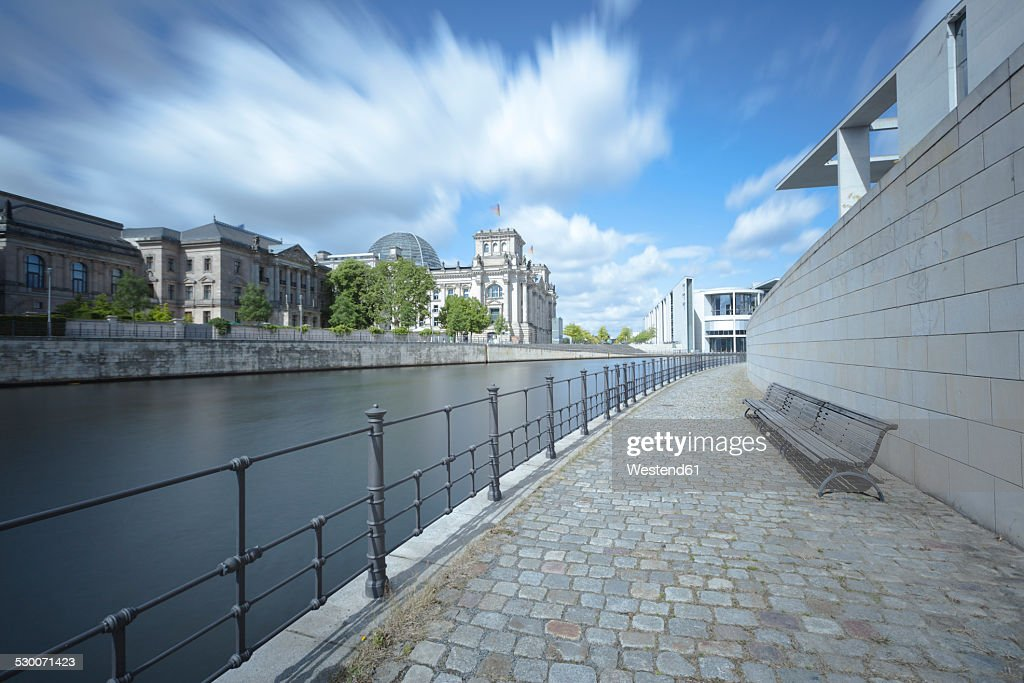 Germany, Berlin, view to Spree River and Reichstag