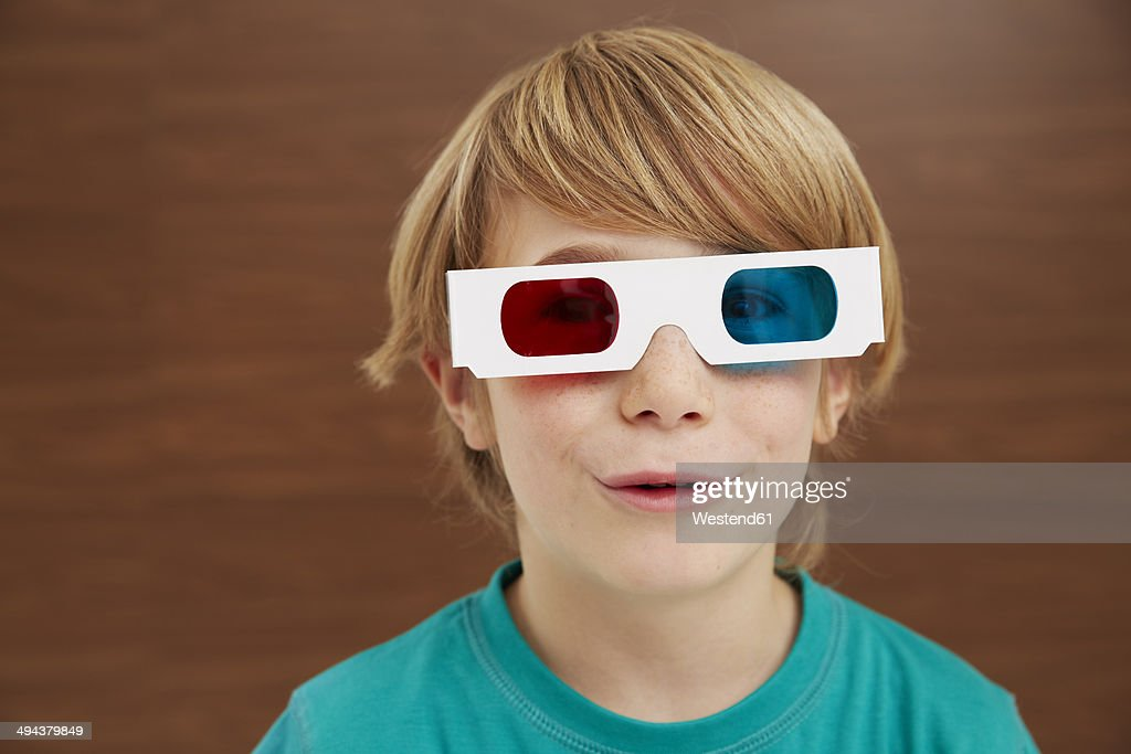 Germany, Boy wearing 3D glasses