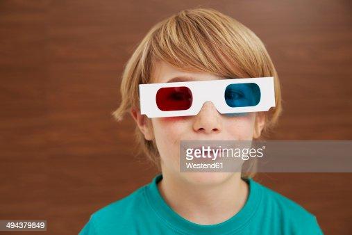 Germany, Boy wearing 3D glasses