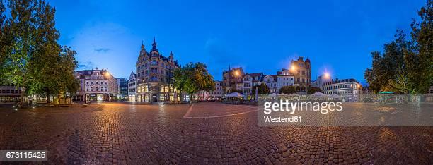 Germany, Braunschweig, Kohlmarkt in the evening, panorama