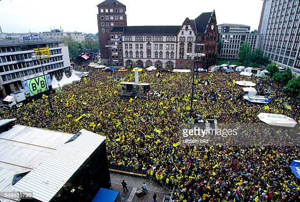 DEU Germany Dortmund 1996 BVBmaster party on the Friedensplatz in front of the town hall
