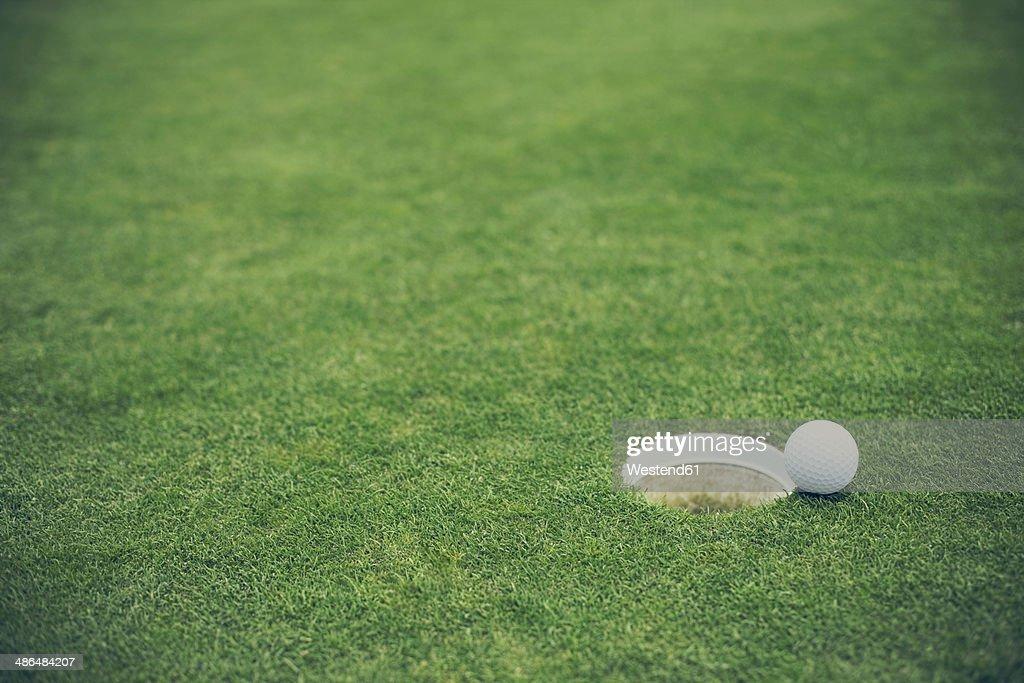 Germany, Duesseldorf, golf ball
