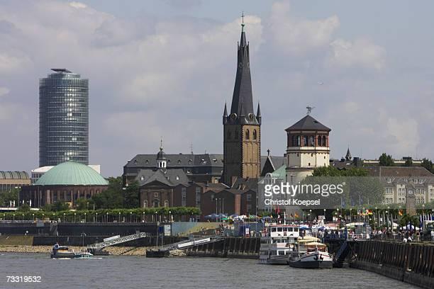Germany, Dusseldorf, waterfront