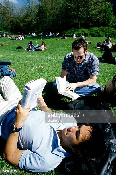 University Essen Students on the meadow