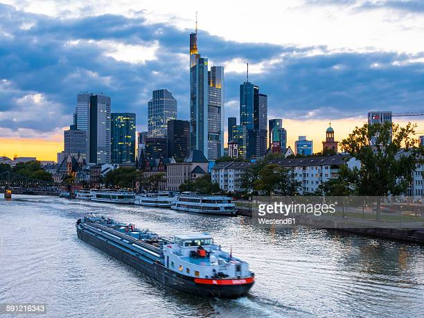 Germany, Frankfurt, River Main, skyline of finanial district in background