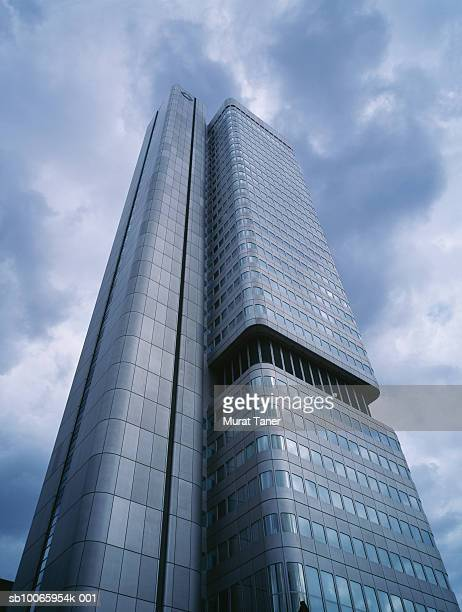 allianz dresden bank Allianz group and dresdner bank 21 allianz group allianz was founded in 1890 in berlin and is today one of the world's leading insurers.