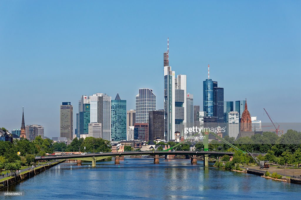 Germany, Frankfurt, view to skyline with Floesserbruecke in the foreground