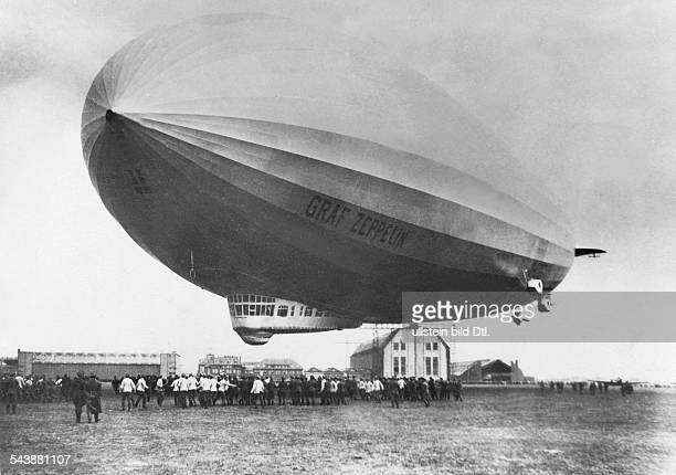 Germany Free State Prussia Berlin airship 'Graf Zeppelin' in Staaken 1924 Photographer Walter Gircke Vintage property of ullstein bild