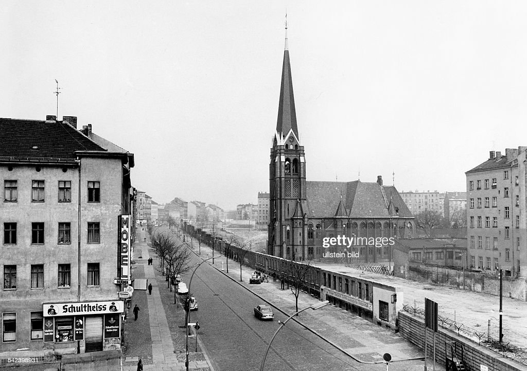 germany gdr berlin bernauer strasse the versoehnungskirche in the pictures getty images. Black Bedroom Furniture Sets. Home Design Ideas