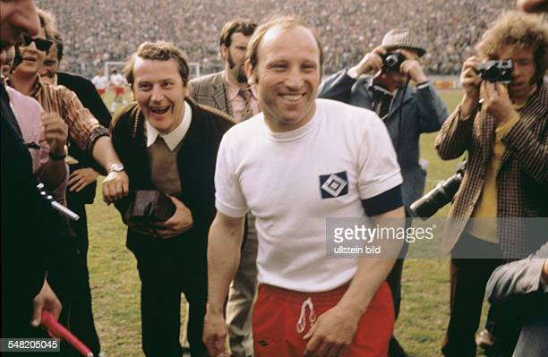 Germany Hamburg Bahrenfeld Uwe Seeler at his testimonial match HSV playing against a world allstar team