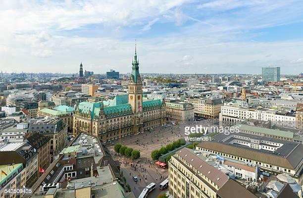 Germany, Hamburg, cityscape with city hall