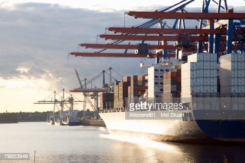 Germany, Hamburg, container ship in Waltershofer Hafen at Burchardkai