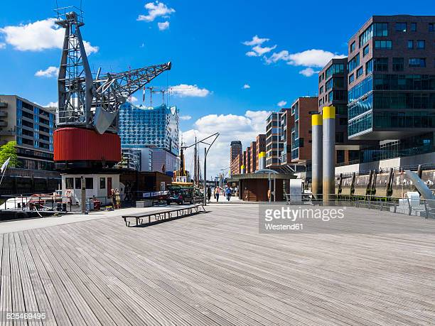 Germany, Hamburg, HafenCity, Magellan-Terrassen, Modern residential and office buildings, Elbe Philharmonic Hall in the background