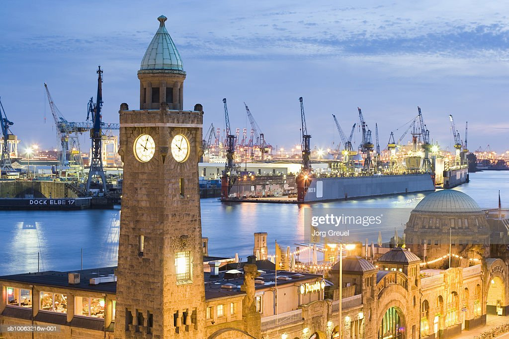 Germany, Hamburg, Landungsbruecken (landing stages), Elbe River and harbour in background : Stock Photo