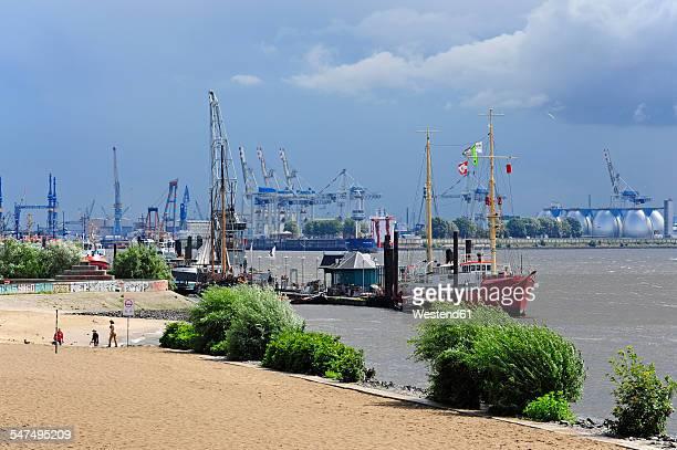 Germany, Hamburg, Oevelgoenne, harbor and bank of River Elbe