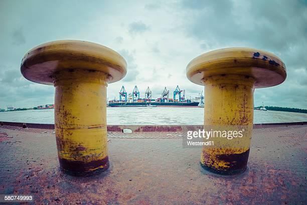 Germany, Hamburg, Port of Hamburg, harbour facility and bollard
