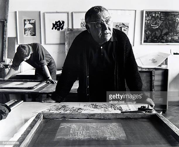 Germany Hamburg School of Art at Lerchenfeld artist Wilhelm Grimm making silkscreen prints