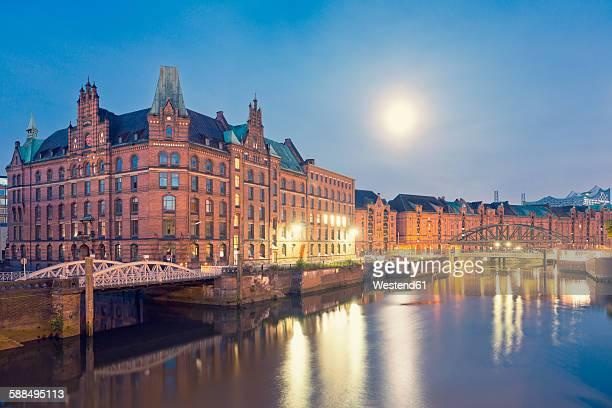 Germany, Hamburg, Speicherstadt at full moon