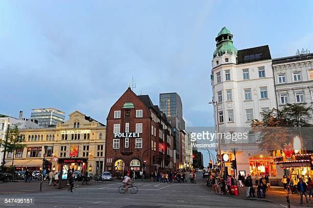 Germany, Hamburg, St. Pauli, Spielbudenplatz, theater and Davidwache