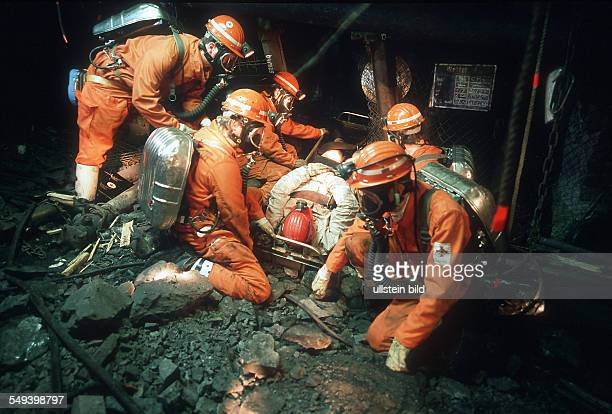 Rescue exercise colliery OstHeinrich Robert Rescue of a injured person out of a crashed longwall mining