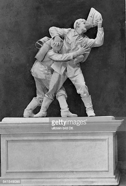 Germany Henry de Vrys 'Living Sculptures' in the Wintergarten vaudeville show imitation of the sculpture 'The Thirst' Published by 'Berliner...