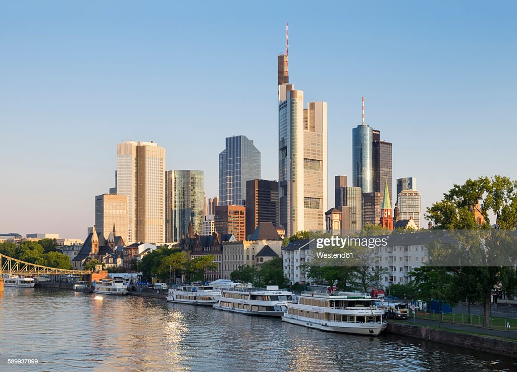 Germany, Hesse, Frankfurt, Financial district, Main river in the morning
