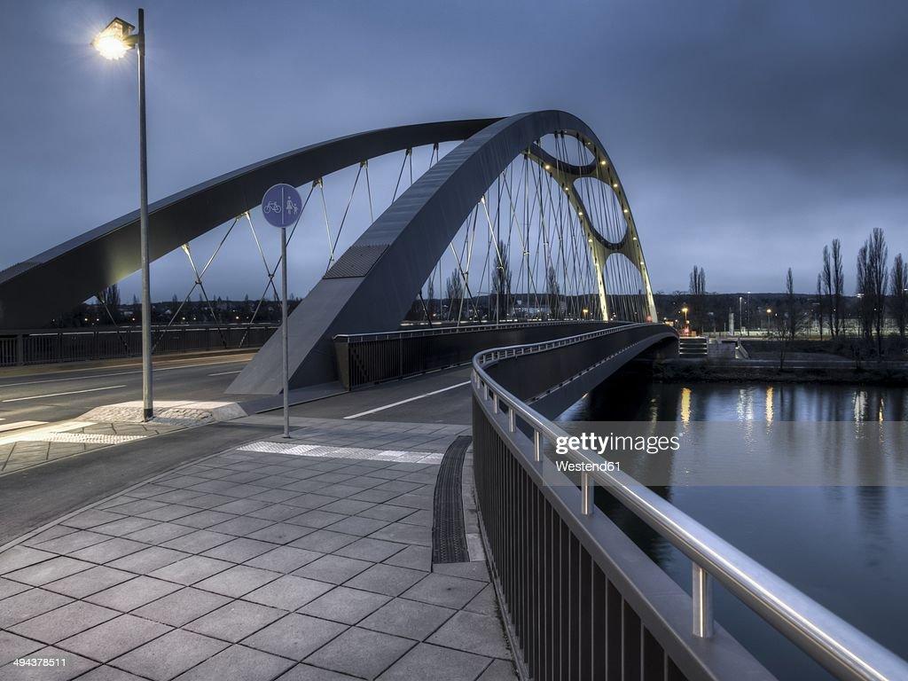 Germany, Hesse, Frankfurt, Osthafenbruecke in the evening
