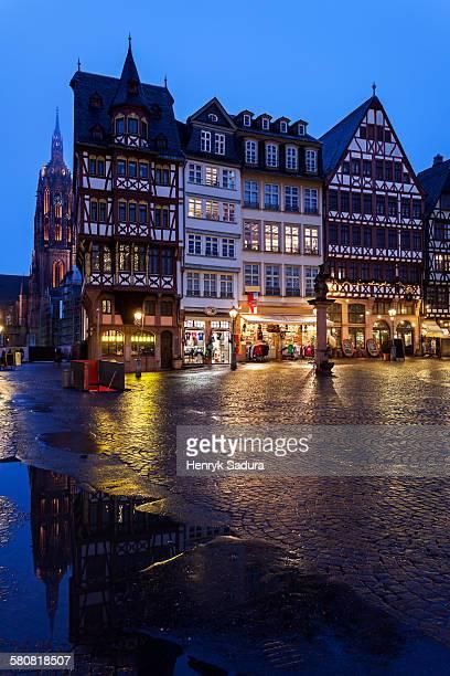 Germany, Hesse, Frankfurt, Romerberg Plaza, Illuminated townhouses and square
