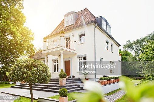 Germany Hesse Frankfurt View Of Villa With Garden Stock