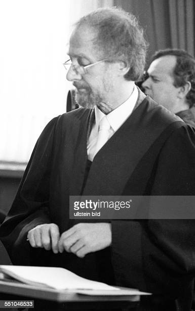 The pleas of lawyer Heinrich Hannover the trial of the murder of the legendary KPD leader Ernst Thalmann in Buchenwald concentration camp continued