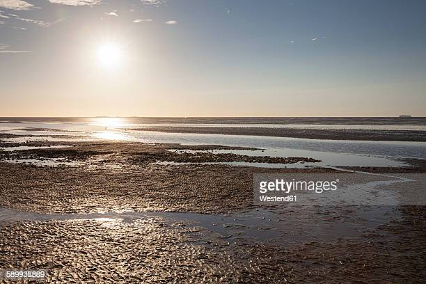 Germany, Lower Saxony, Cuxhaven, sunset above the Wadden Sea