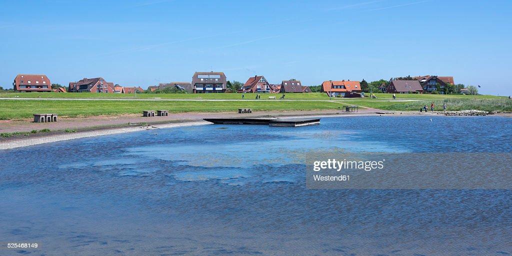 Germany, Lower Saxony, East Frisia, Island Baltrum, Ostdorf, Pond