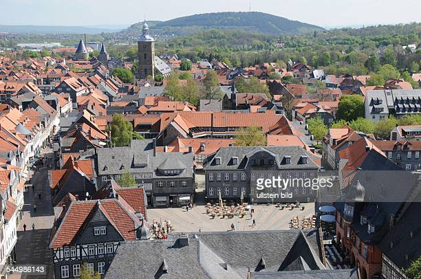 Germany Lower Saxony Goslar View on the historic centre in the foreground the old marketplace church 'Stephanikirche' and the fortification 'Breites...
