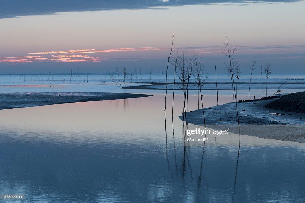 Germany, Lower Saxony, Wremen, Tidal creek at North Sea
