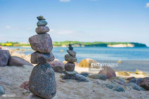 Germany, Mecklenburg-Vorpommern, View of balanced rocks at beach