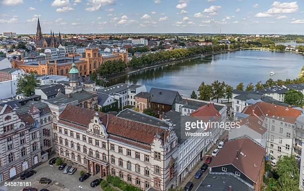 Germany, Mecklenburg-Western Pomerania, Schwerin, Cityscape, Old Post office and Pfaffenteich pond