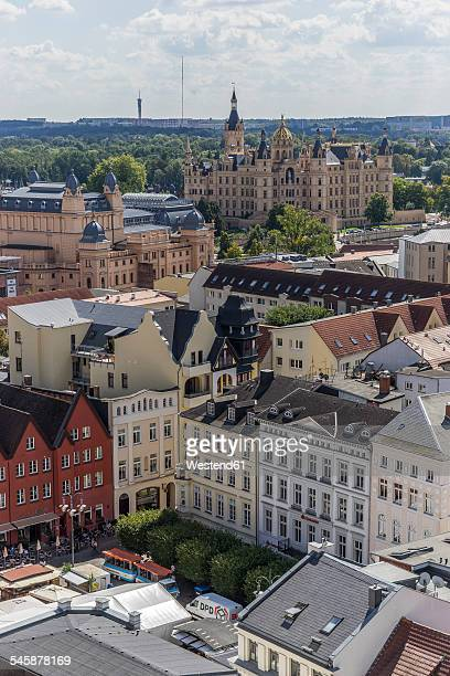 Germany, Mecklenburg-Western Pomerania, Schwerin, Cityscape, View to Market Square, Mecklenburg State Theatre and Palace