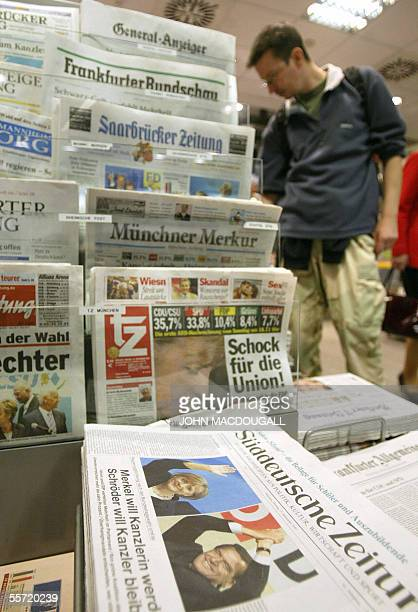 Nespwapers are displayed at a Berlin newsstand 19 September 2005 one day after the German general elections which yielded no clear winner AFP PHOTO...