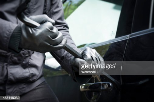 Germany, North Rhine Westphalia, Burglary breaking into car